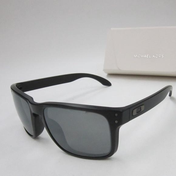 fab4f649ca8 Oakley Holbrook OO9102-D655 Mens Sunglasses OLE111.  M 5b197f4da31c334e3b85b34e